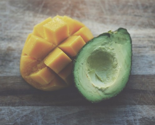 avocado for skin nutrition and moisturising